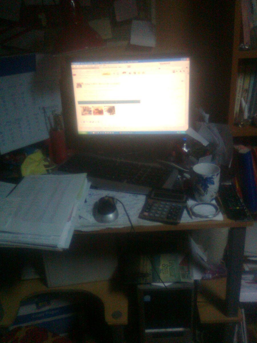 Birou cu documente ...in lucru!
